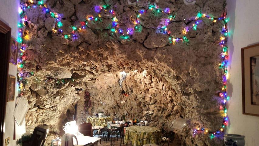 Bed & Breakfast La Grotta Azzurra.
