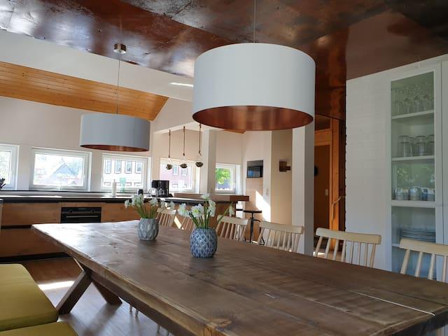 K. Homes erstes Harzhaus