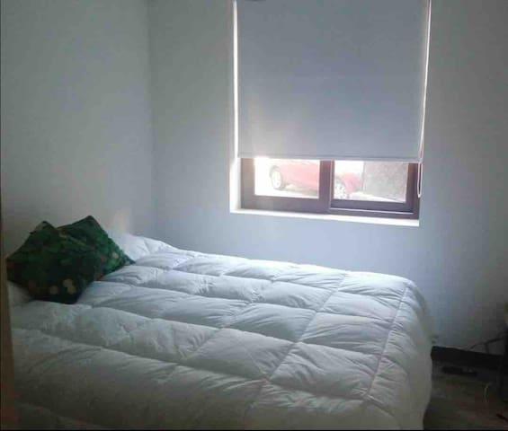 Segundo dormitorio cama dos plazas Rosen, televisor con cable wi fi