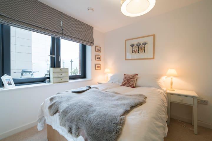 Modern 2-Bed apartment in leafy Putney, London - London - Apartemen