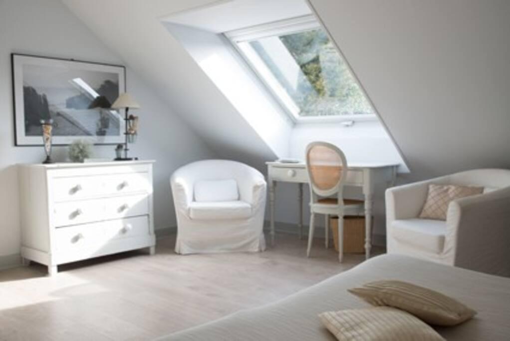 La villa flore chambres d 39 h tes louer ault picardie for Chambre d hotes picardie