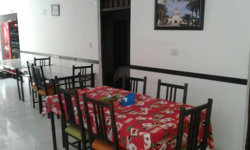 tarifa por persona, 7 camas en hotel, TIPO HOSTAL - Neiva - Bed & Breakfast