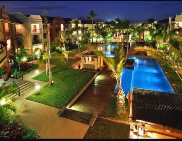 9 Pools! FREE WIFI Cairns One Resort Apartment - Westcourt - Apartamento