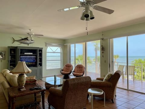 Oceanfront, gated 3 bedroom condo with boat slip.