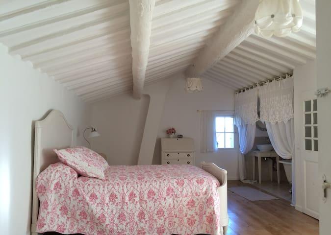 Romantic holidays in Provence, Miramas le Vieux