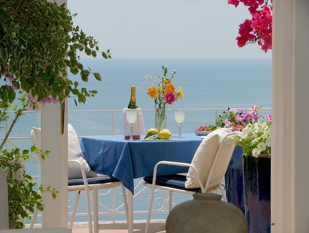 Charming Flat with Amazing Views - Positano - Apartamento
