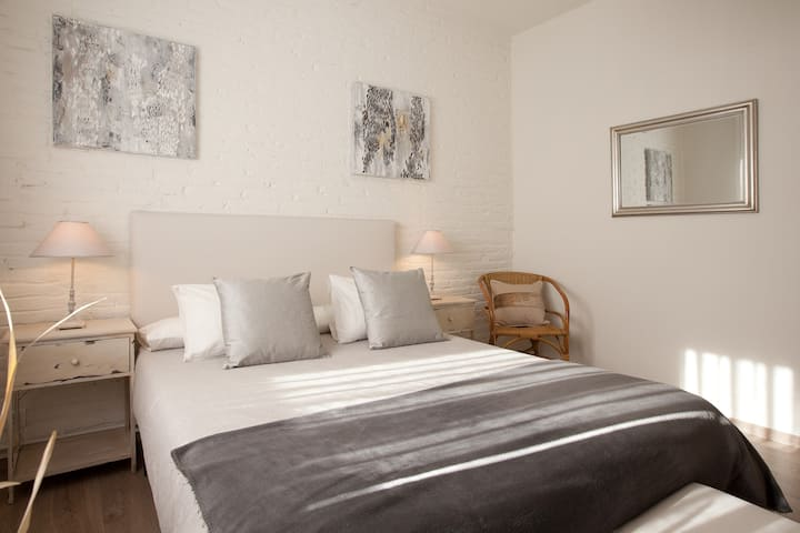 Cosy apartment near Sagrada Familia