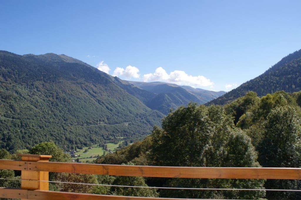 Vue 2 vallée terrasse (vallée du Louron)