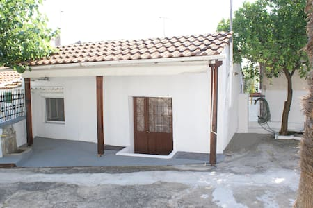 SMALL  CHEAP STUDIO IN CHALKIDIKI VILLAGE SΥKIΑ - Sikia