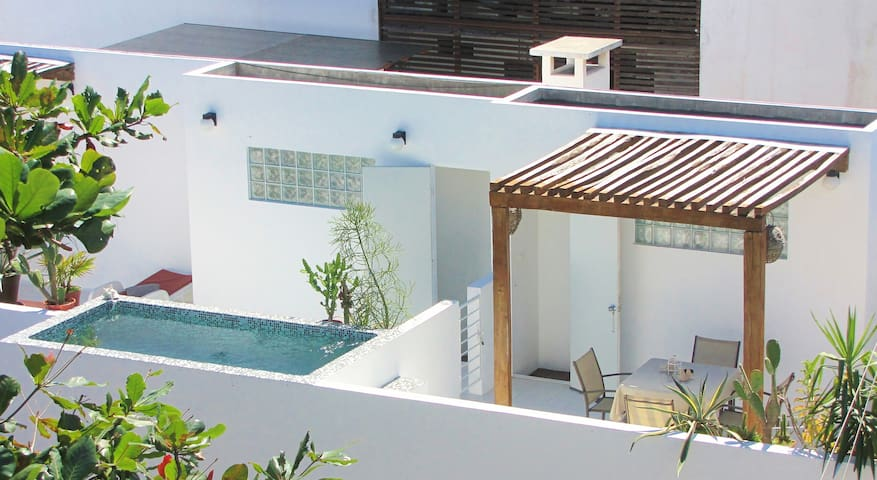 CASA NAAJ APARTMENTS (2-3 PEOPLE)