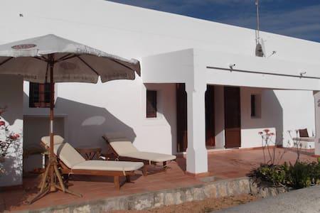 Country house close to city & Talamanca beach