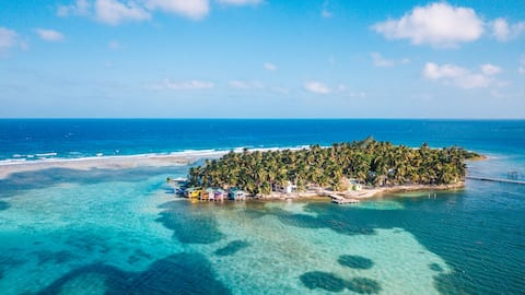 Tobacco Caye Oceanview family suite