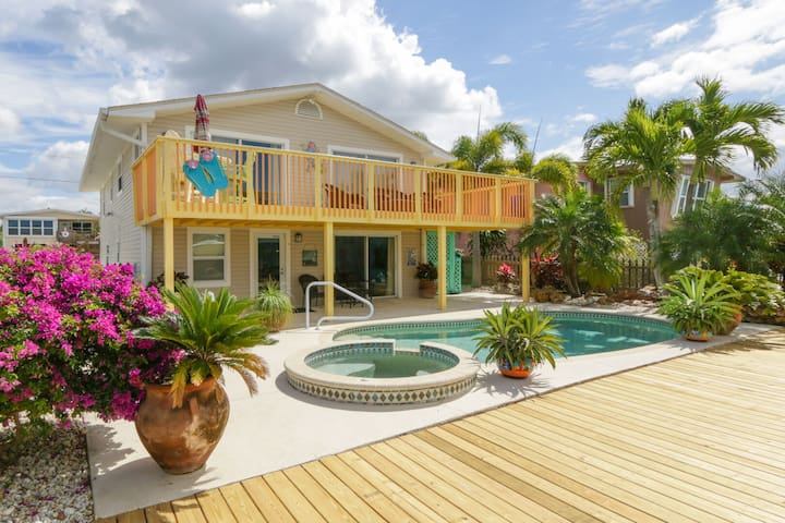 Waterfront close to Times Square Pier. Fishing dock & gazebo with hammock
