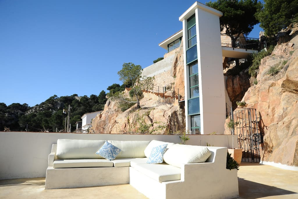 roof terrace of guest house with elevator