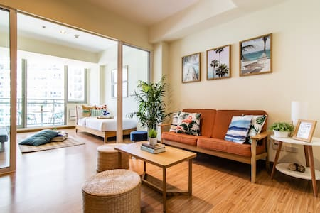 Azure Cozy&Spacy 2BR - BeachPool View - Up to 8pax
