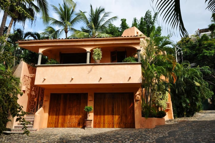 The Carriage House - Puerto Vallarta - Casa