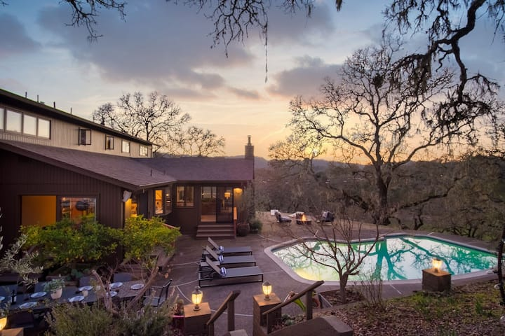 Gable by AvantStay | Beautiful 3.5 Acre Oasis w/ Gorgeous Views, Pool & Hot Tub