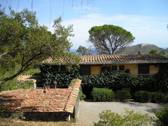 Villa in Tuscan Hills with Sea View - Porto Ercole - Hus