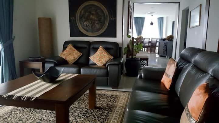 Luxurious Beachfront Penthouse Apartment, Kuantan
