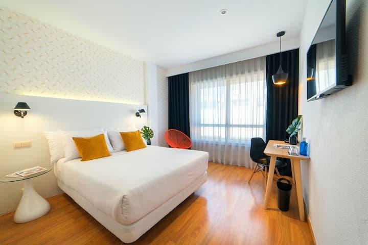 Habitación doble estándar con desayuno en Hotel Cetina Murcia