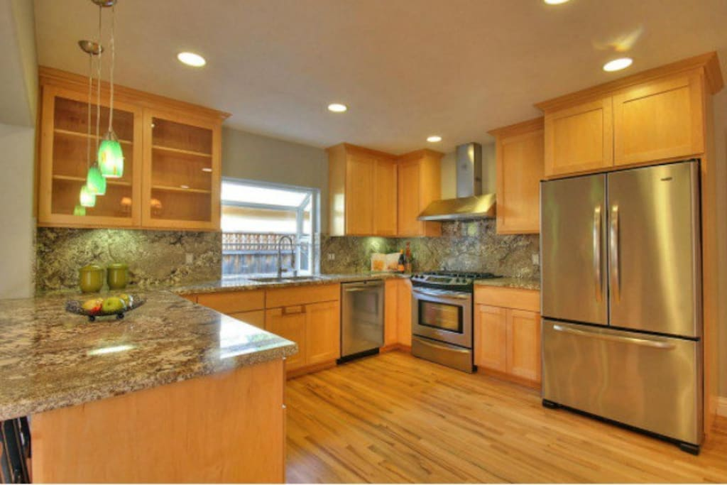 Luxurious kitchen, accessible to guests