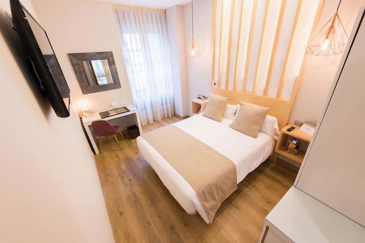 Hotel Fruela -  Habitación doble  con desayuno buffet incluido y acceso al spa - Tarifa estandar