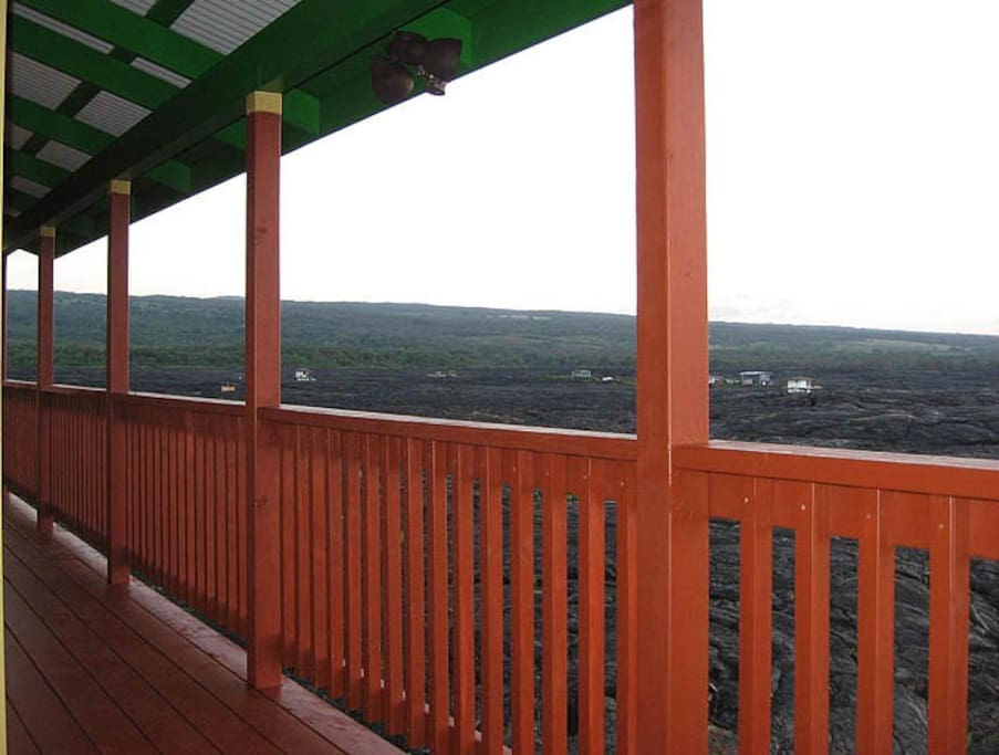 Front lanai with ocean view.