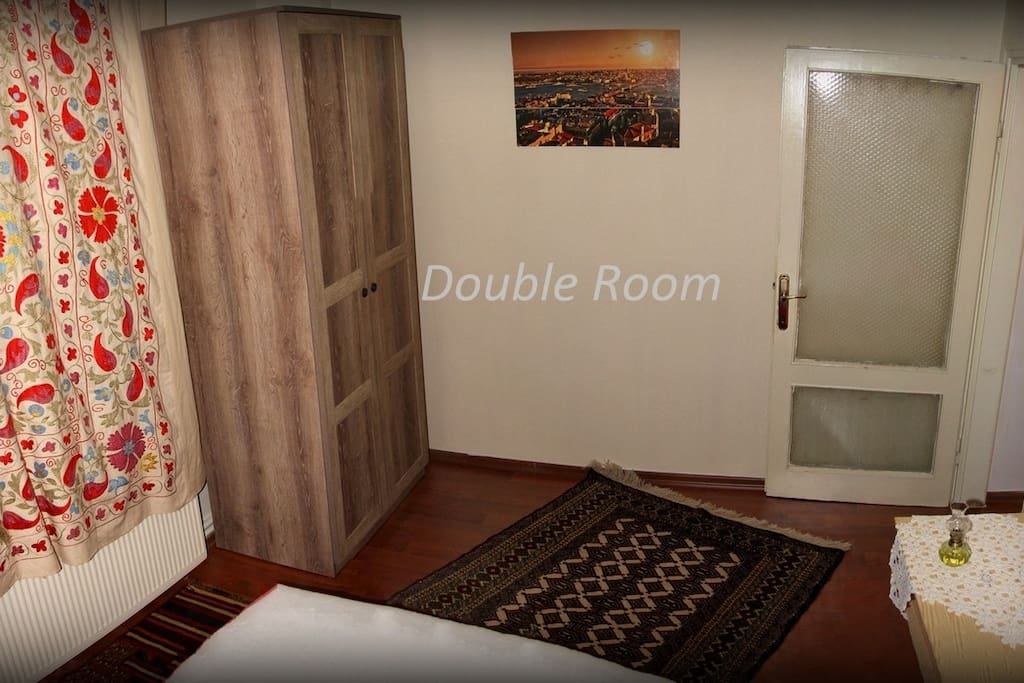 Double Room - Wardrobe & Bath Towels