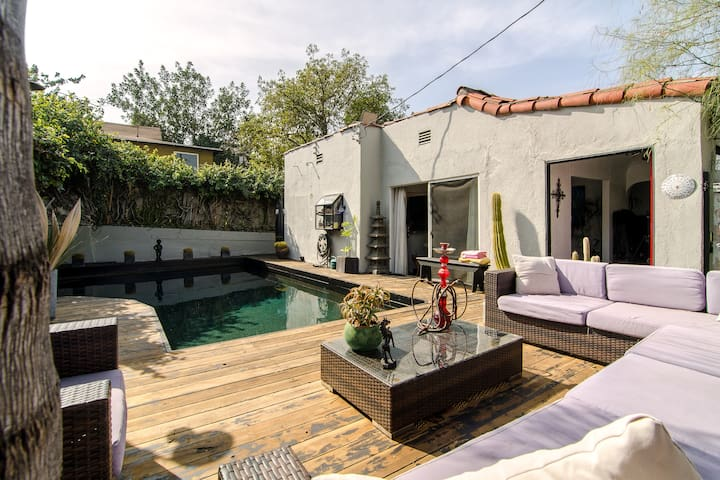 Spanish villa in silverlake ...