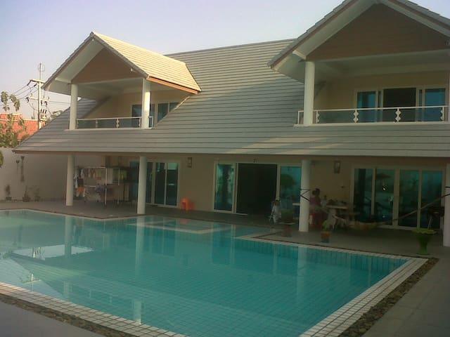 5 bedroom detached with pool  rural - Ban Puek - Casa
