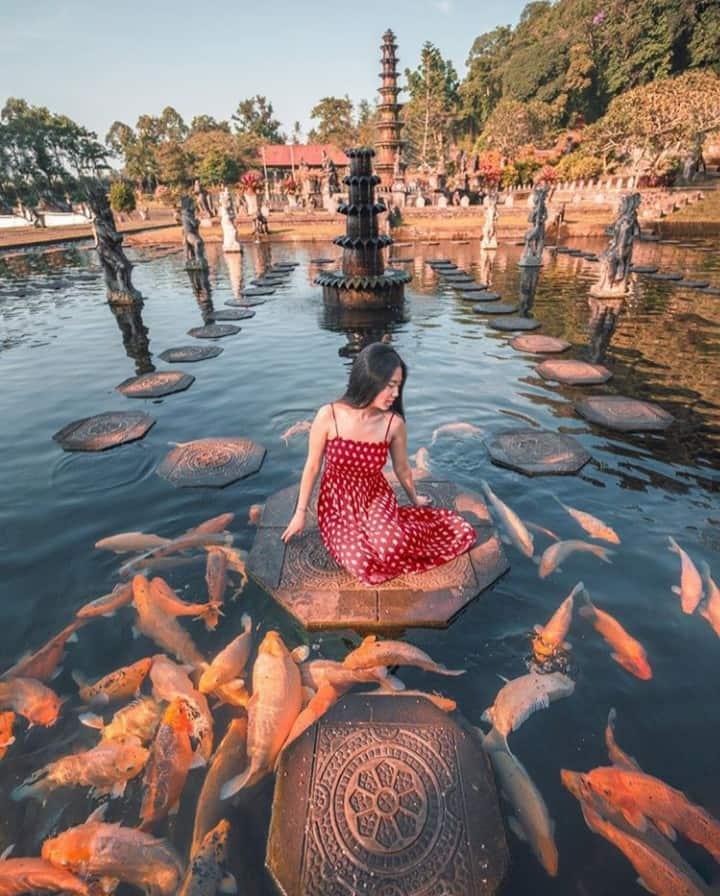 Tirta Gangga water temple