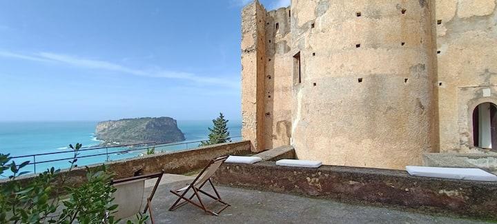 Castello della Foresta per 6 persone vista mare