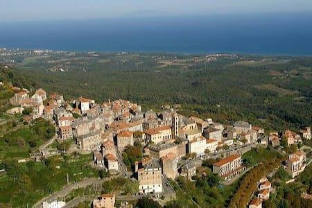 A Casa di mamona in Corsica - Cervione