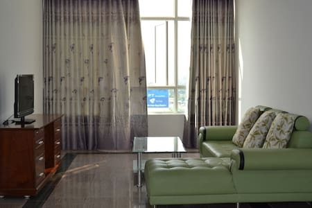 3 bedrooms apartment w/ Mekong view