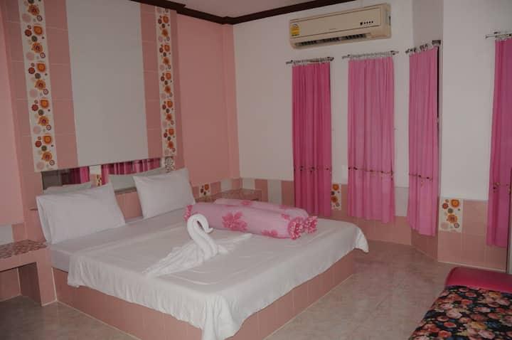 SGR: Standard Room (1)