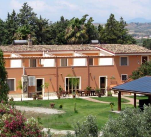 Appartamenti in agriturismo al mare - Cropani Marina - อพาร์ทเมนท์