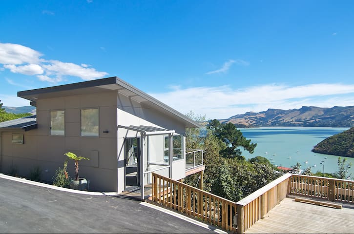 Luxury Cass Bay Retreat (B) - Cass Bay - Hus