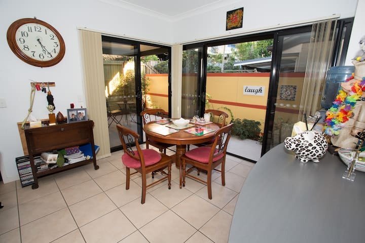 Quiet space in Town Home close to Chermside Hub