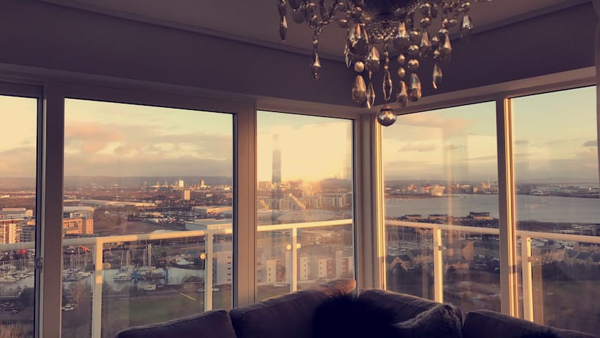 Beautiful 6th floor apartment with sea views! - Penarth - Apartemen