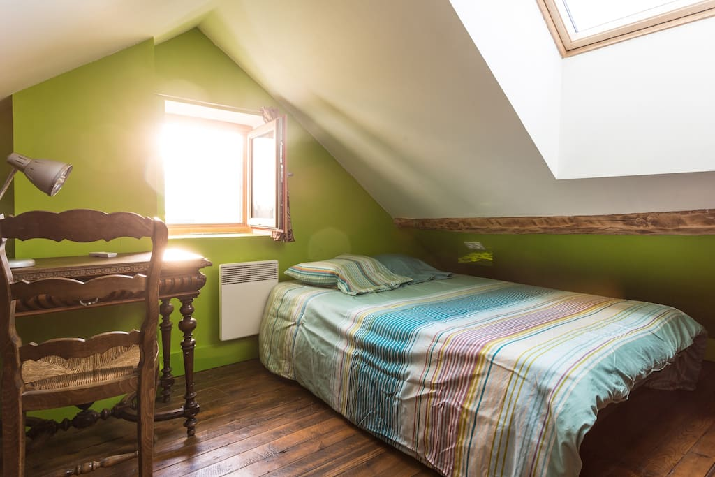 Chambre verte couple vue chartreuse houses for rent in for Chambre a part couple