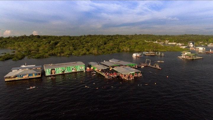 Abare House Floating Hostel (ENG)