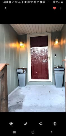 *Comfy* Group Getaway! 13min to Airport &Downtown