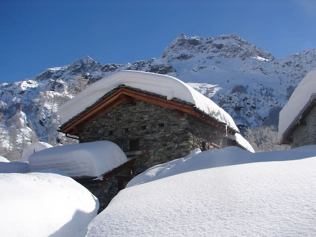 Chalet Walser Matterhorn region  CAV Champlève - Valtournenche - Huis