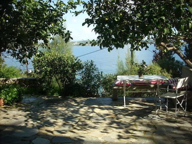 Ligoneri apartment with great view - Spetses - Apartamento