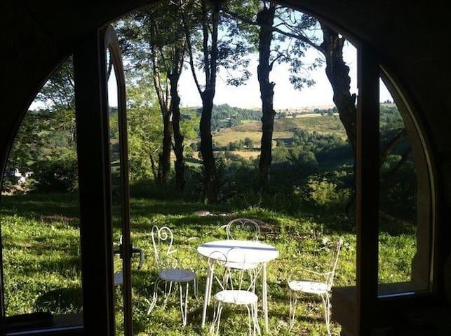 Gîte de charme au coeur des monts du Cantal - Saint-Clément - Casa