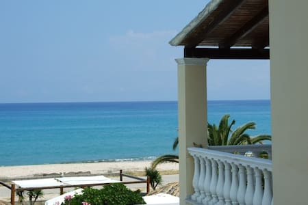 Avra beach suite-apart. for 4+1 pax - Κέρκυρα