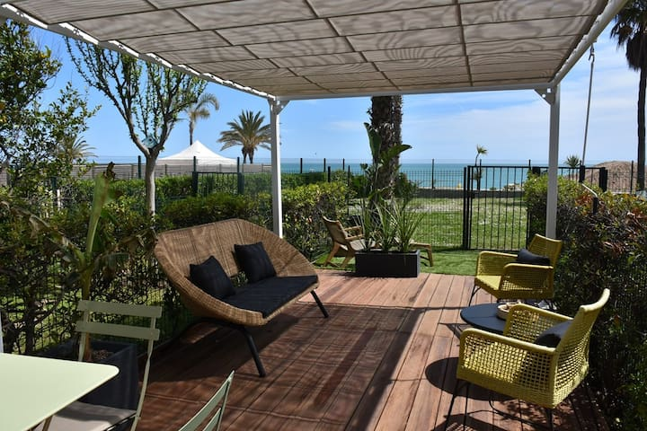 2 ROOMS WITH GARDEN - ACQUAMARINA - BEACH - RESTAURANTS - SHOP - WIFI - AIR CON