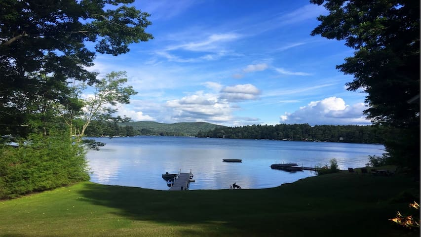 Lake Buel getaway with great view & private dock