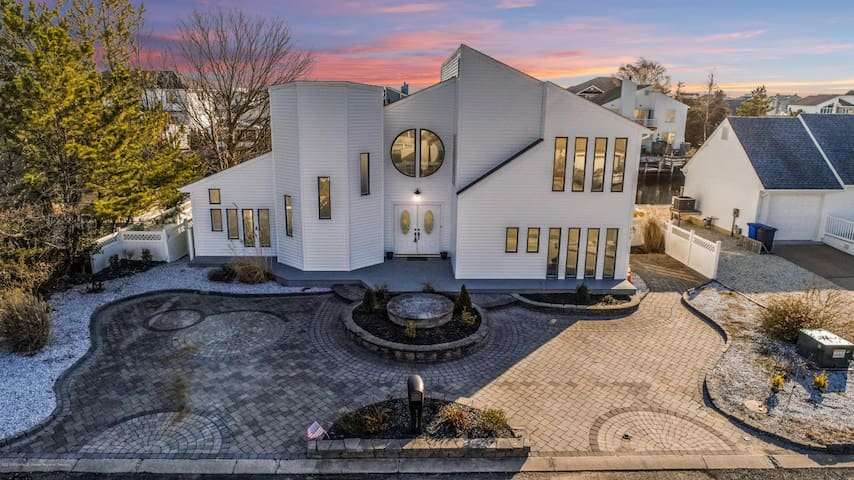 Paradise, waterfront Home at the Jersey Shore!