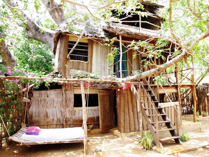 Treehouse Beach front Manda Lamu Island